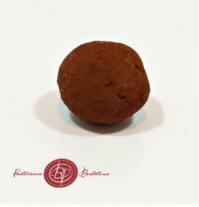 Tartufo di cioccolato fondente e nocciole Piemonte
